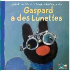 Gaspard a des lunettes