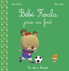 Bébé Koala joue au foot