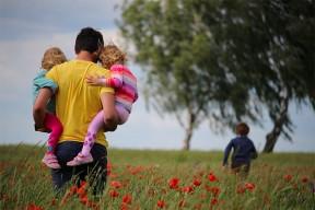 Fête des pères : 10 idées de livres à offrir