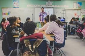 8 livres qui abordent le thème du harcèlement scolaire