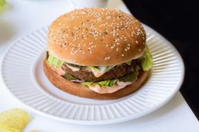 """Recette d'Hamburger Vegan du livre """"Cuisine Vegan pour Etudiants"""" de Sandrine Costantino"""