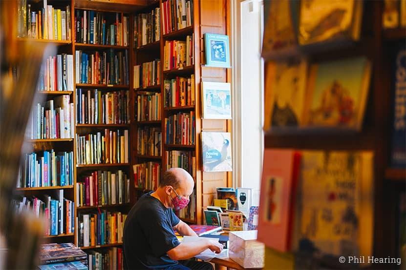 Lisons à la maison : les solutions proposées par les libraires et les enseignes spécialisées